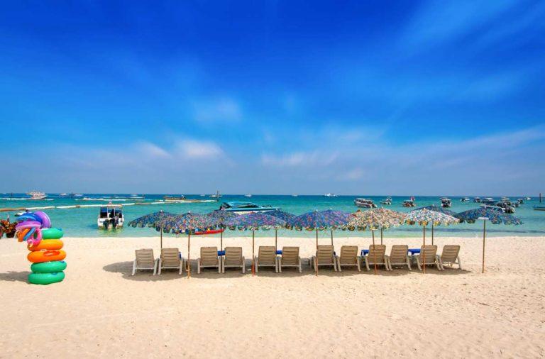 Bang Sae Beach