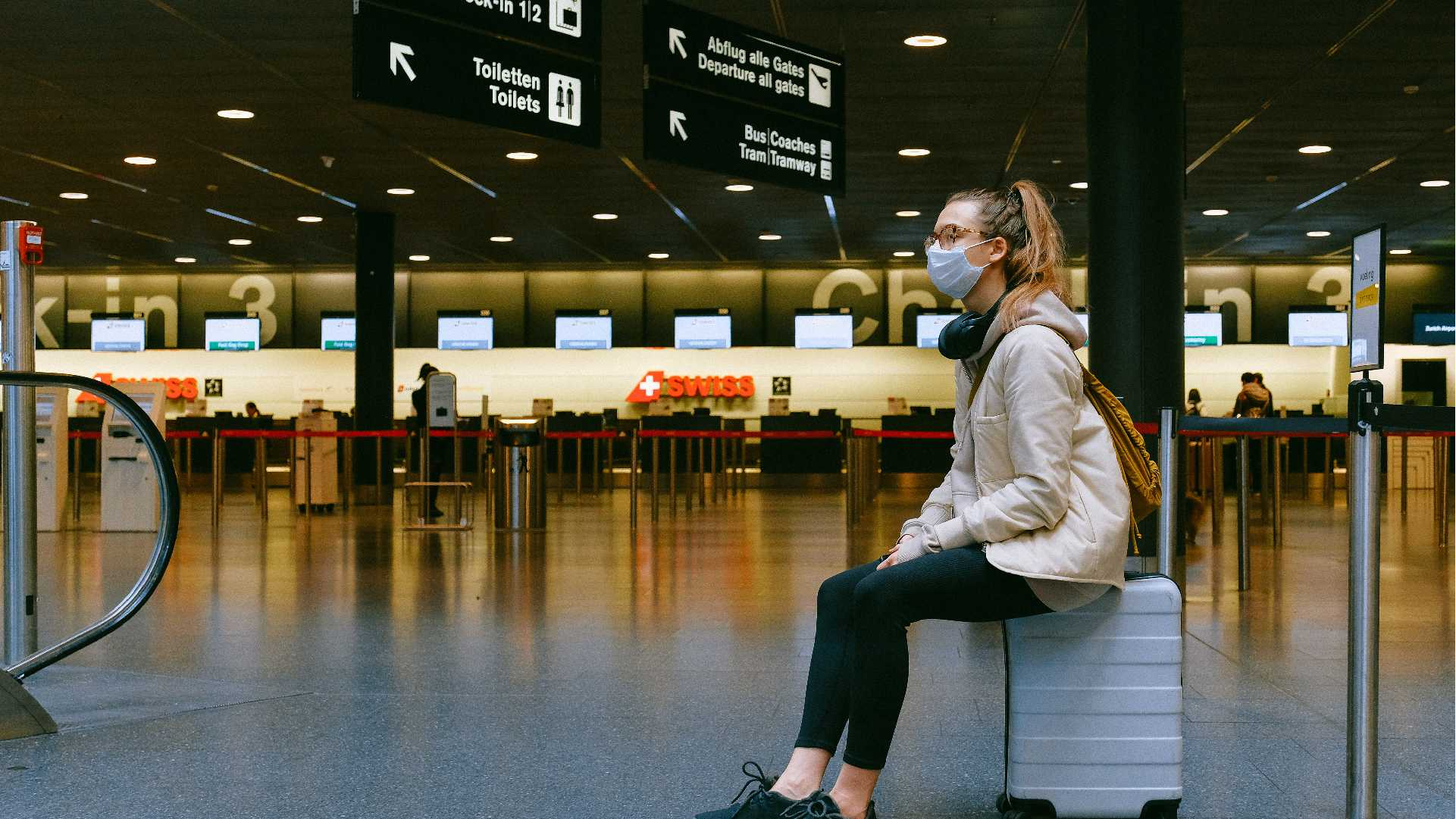 11Basic and important things at the international airport