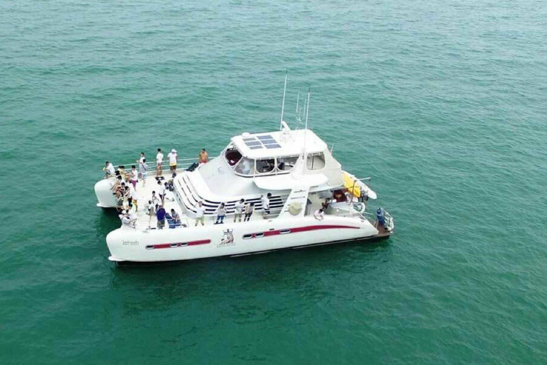 Catamaran for 30 Pax