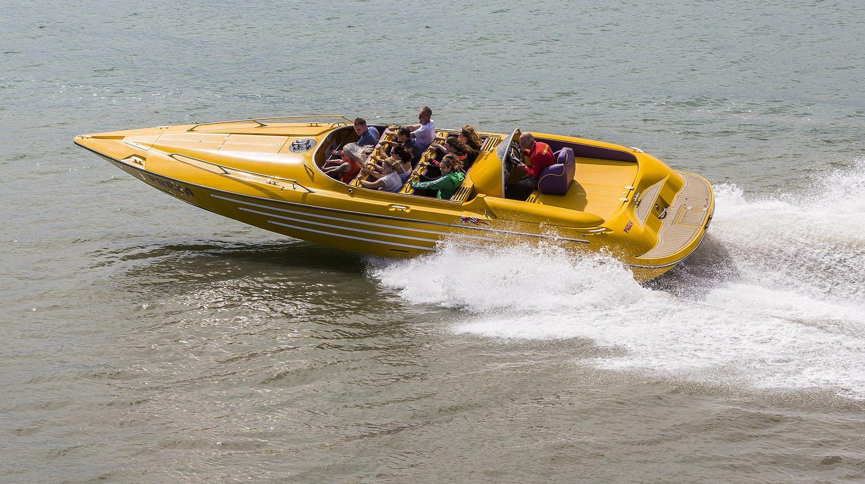 Coral island Pattaya motorboat