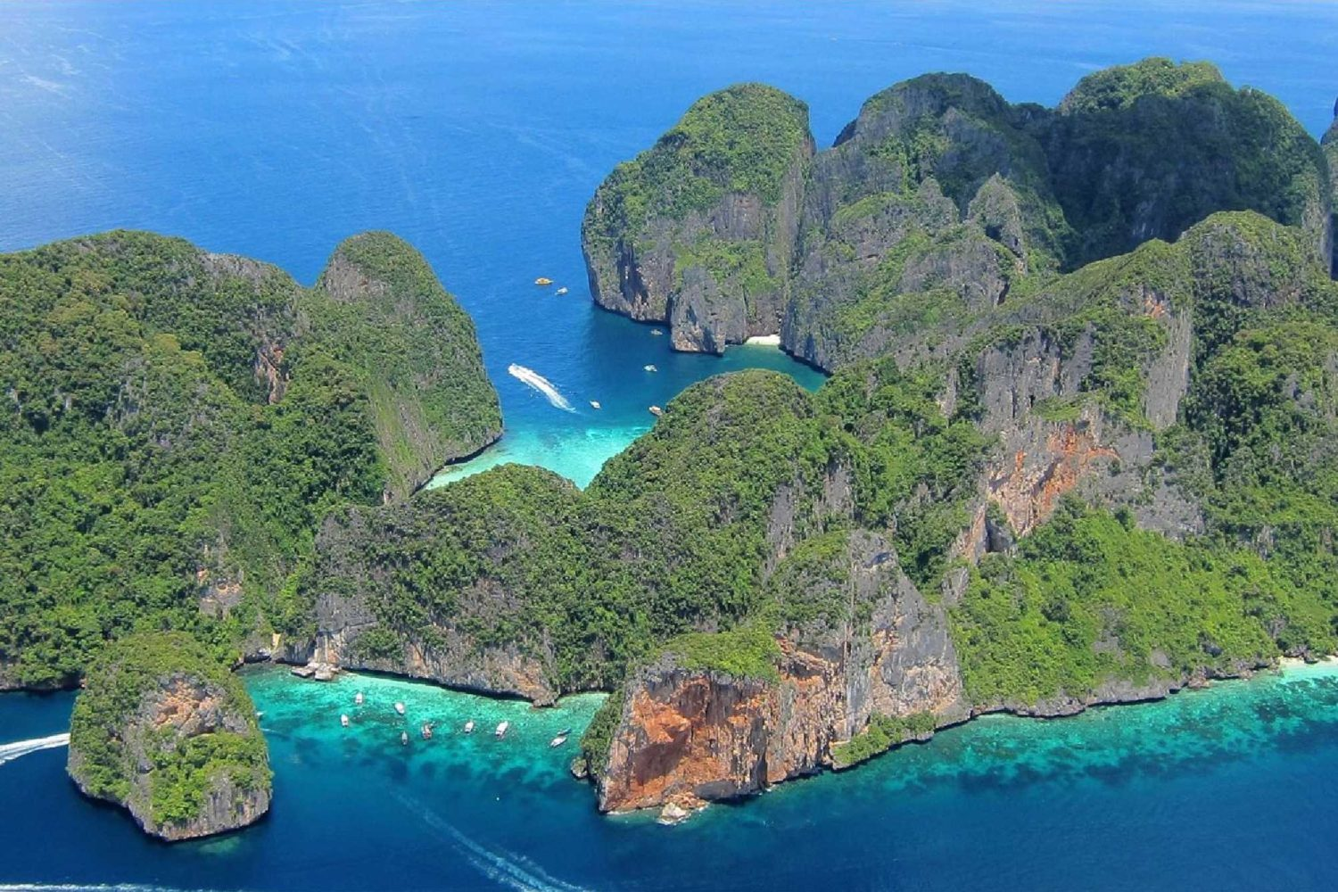 11Phi Phi Island Tour with Lunch